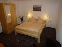 schlafzimmer_1_im_guesthouse-elbsandstein_appartement_lilienstein_20110121_1715124426